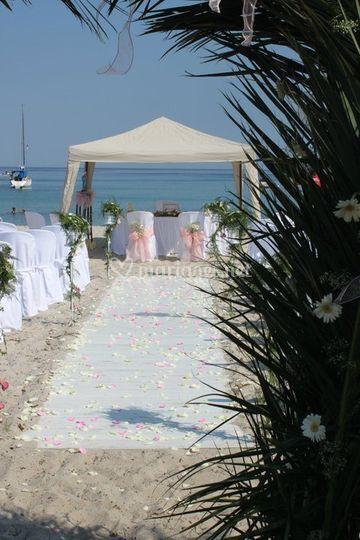 Cérémonie religieuse sur la plage