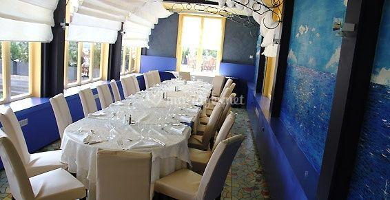 Salle de restaurant décor bleu