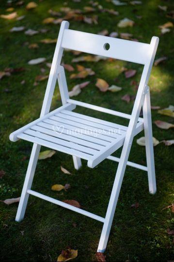 Chaise pliante lattée blanche