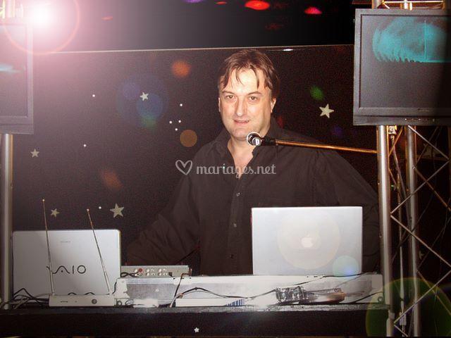 Animateur-chanteur-DJ-Lyon