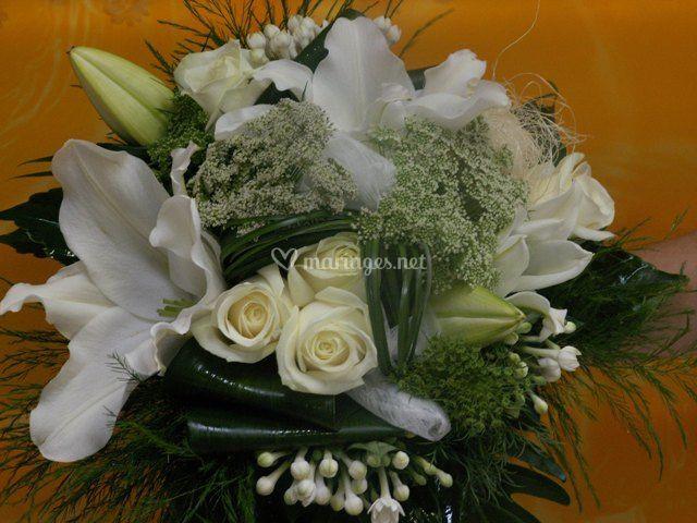 Bouquet rond vert et blanc