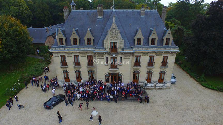 Photo de groupe par un drone