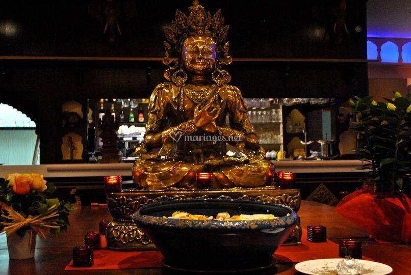 Vedas Statue