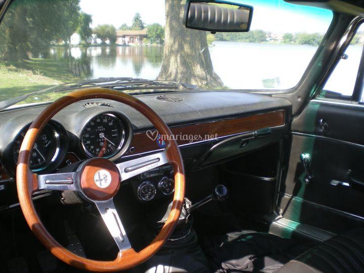Alfa Romeo Giulia GT Bertone - vue intérieure