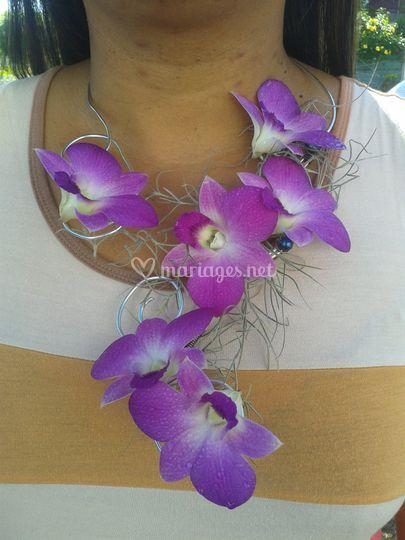 Collier floral orchidées