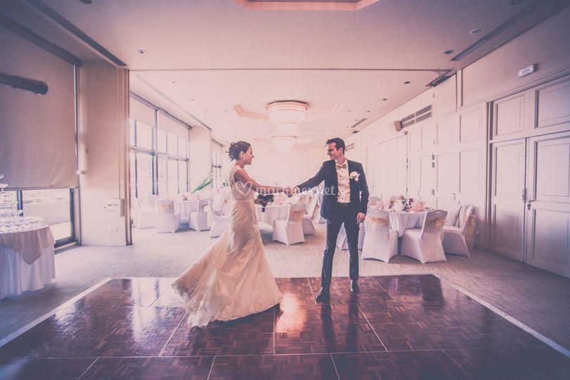 Les mariés découvrent la salle