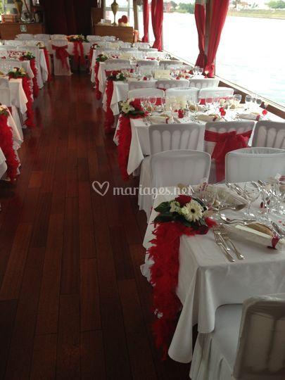 Mariage décoré rouge