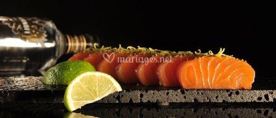 Emincés de saumon fumé aux zestes de citron vert