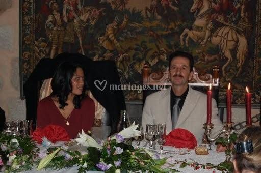 Tapisserie et les mariés