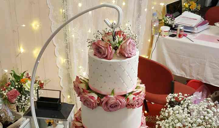 Wedding cake suspendu