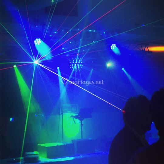 Lasers, lyres spot...