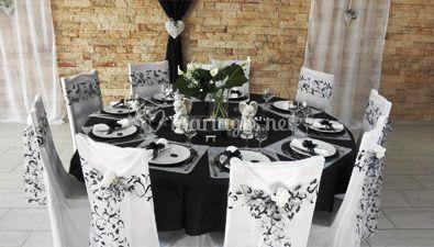 Table noire et blanche