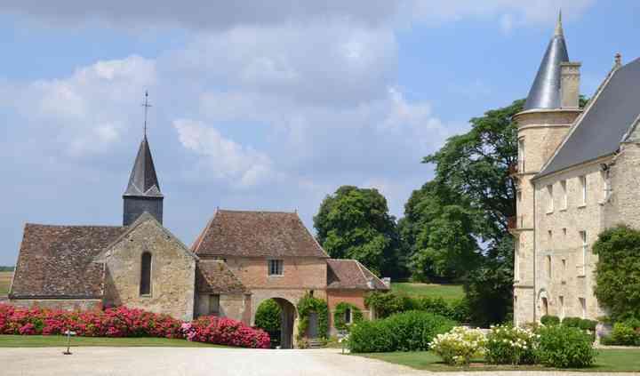 Château et porche d'entrée