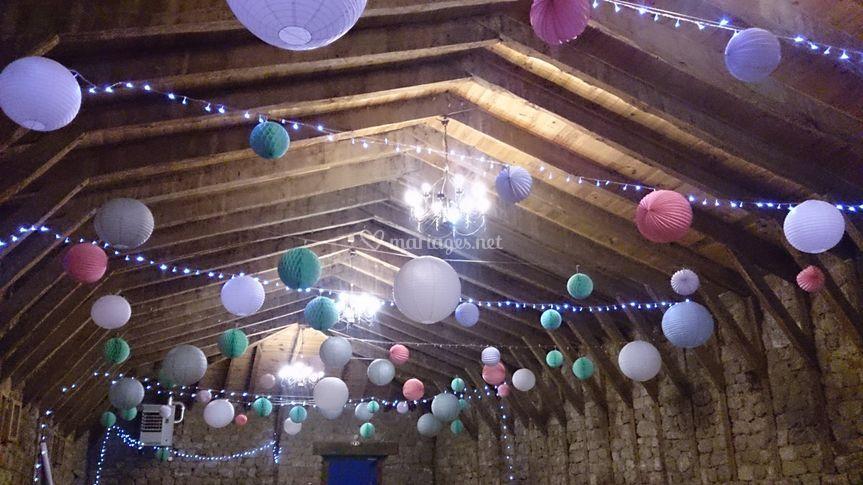 Plafond de lanternes