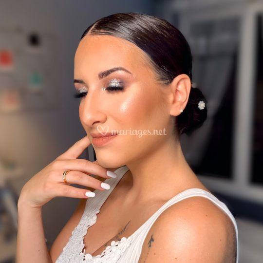 Maquillage et chignon mariée
