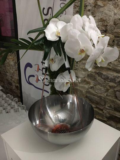 Fontaine à punch fleurs frâiches