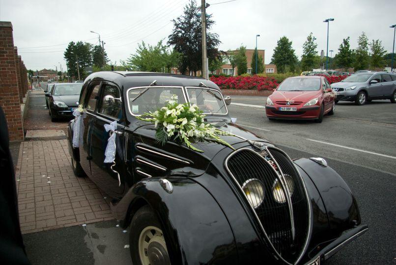 1937  402 Limousine noire