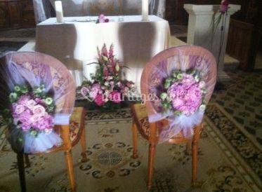 Décoration des chaises et l'autel