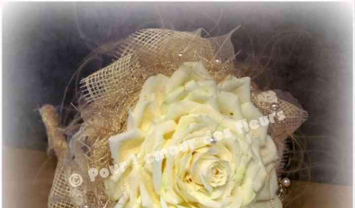 Bouquet glamelia roses ivoire