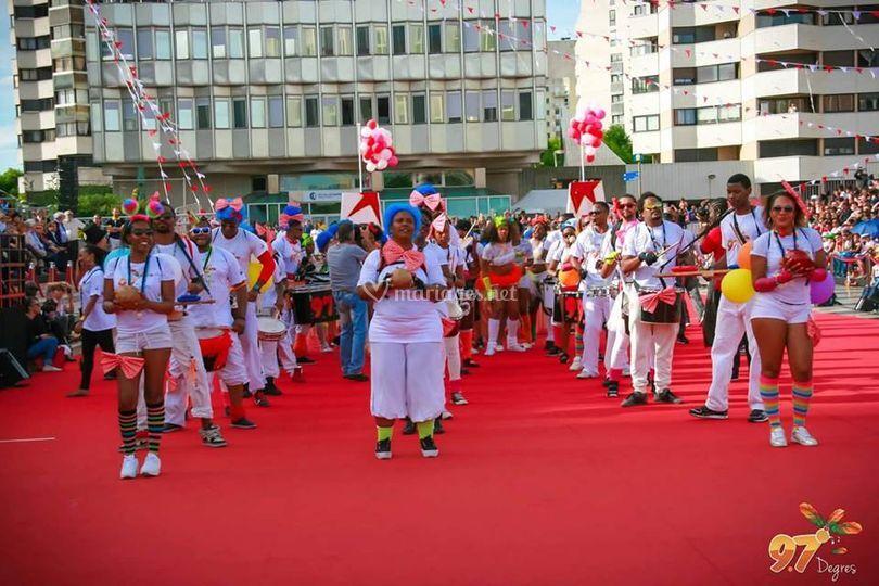 Groupe de carnaval (extérieur)