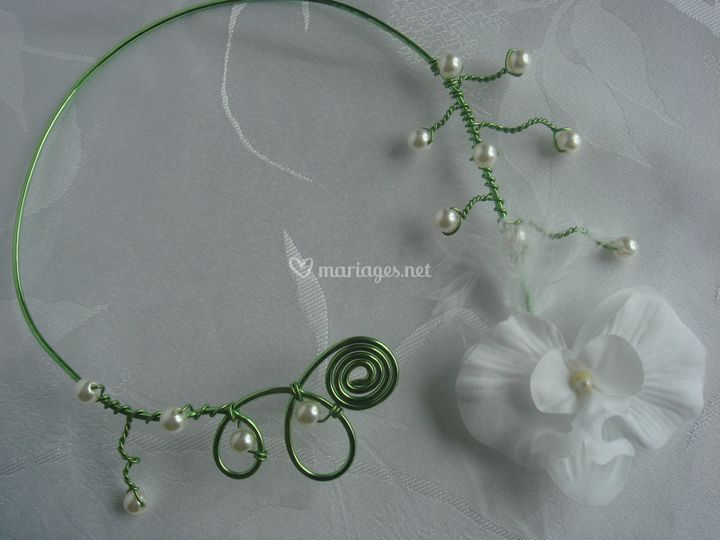 Collier orchidée (vert)