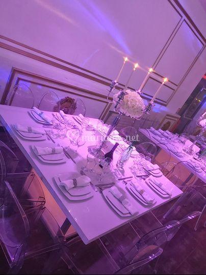 Table lumineuse (déco crème)