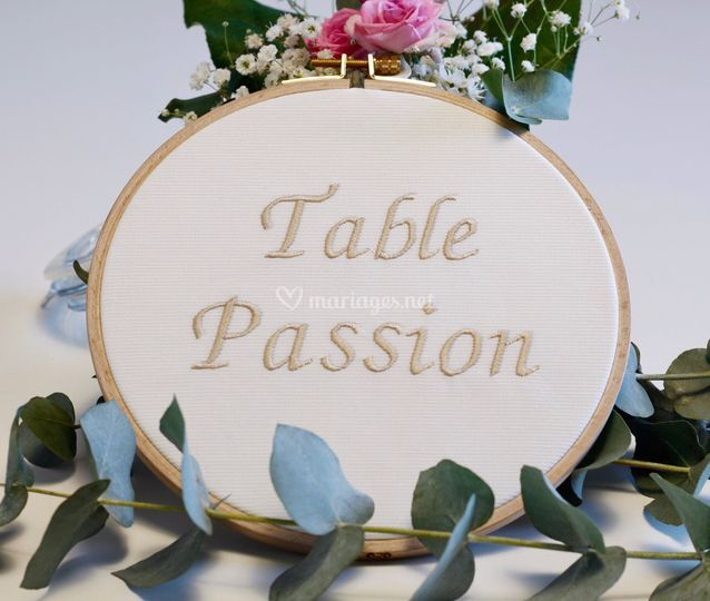 Nom de table avec broderie