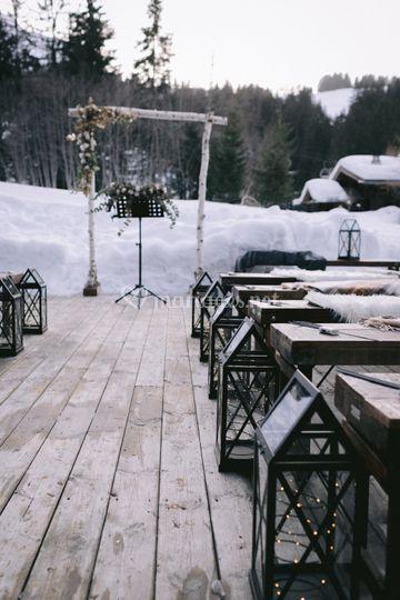 Cérémonie dans la neige