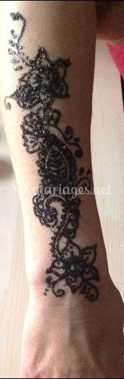 Tattoo paillettes noires
