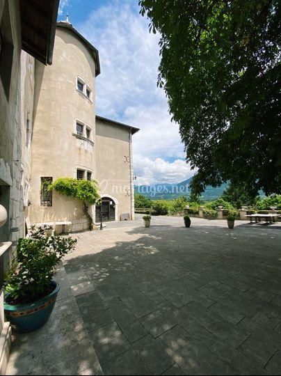 Vue sur la tour du château