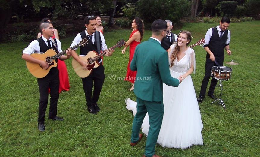 Strolling avec les mariés
