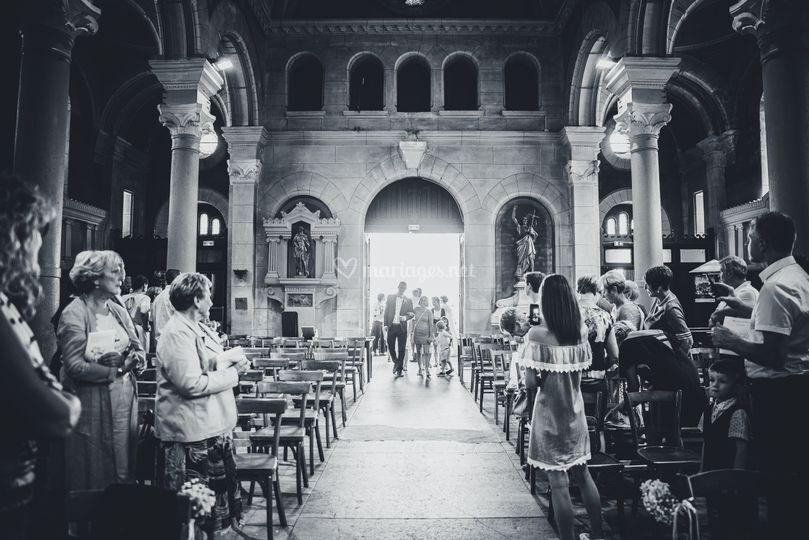Entrée dans l'église