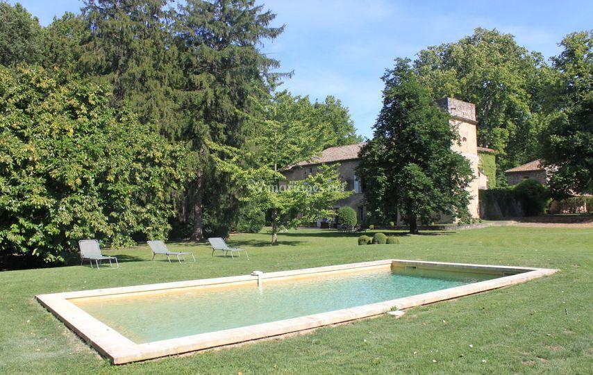 Parc et piscine