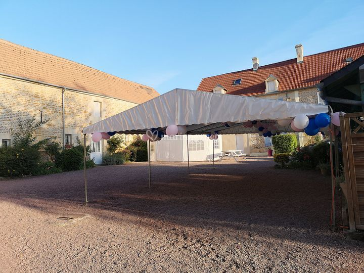 Tente devant la terrasse