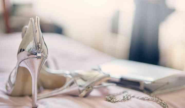 Détail chaussures de la mariée