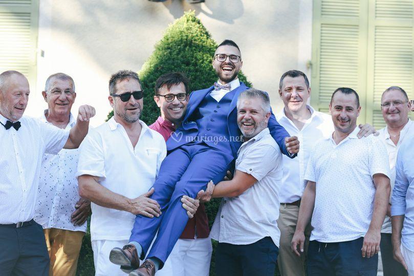 Le marié et sa bande !