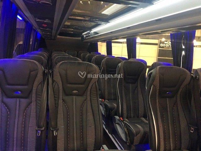 Intérieur mini bus 27 places
