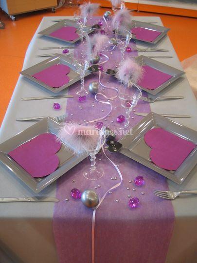 Table grise et violette