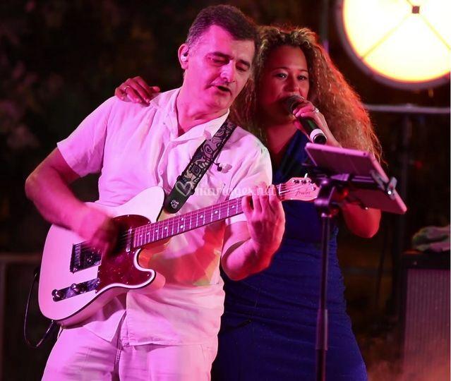 Guitariste & chanteuse