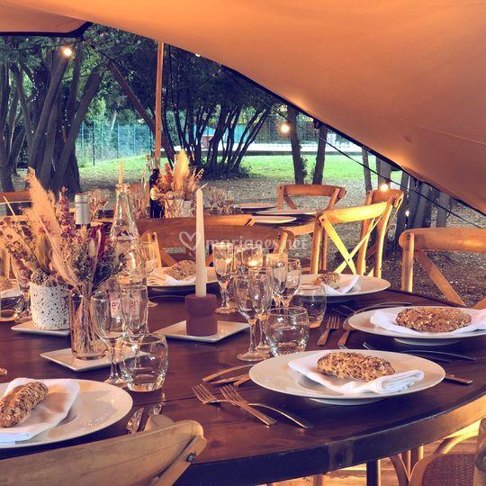 Tente stretch + mobilier bois