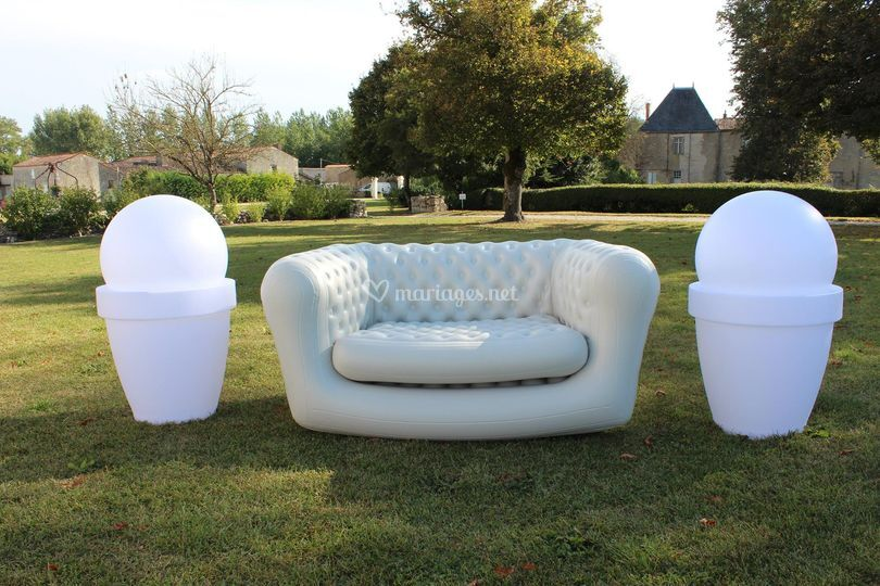 Mobilier + Chesterfields