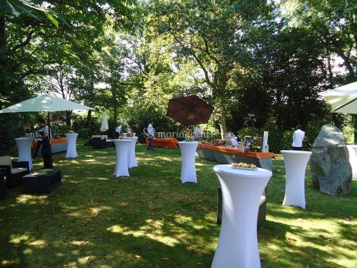 Réception dans le jardin