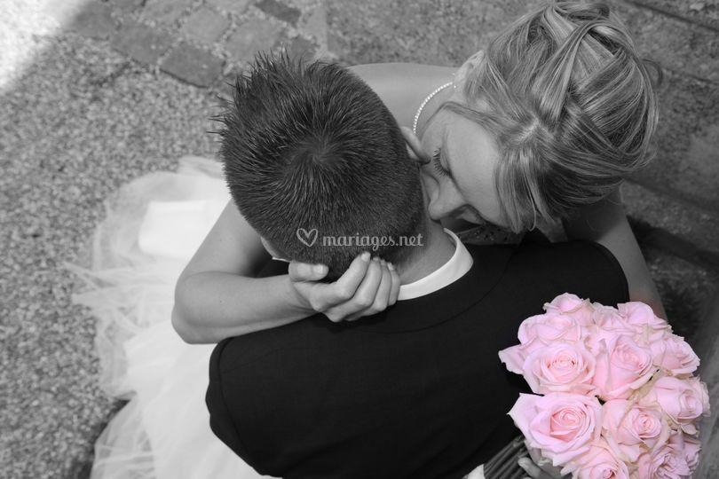 Tendre baiser romantique