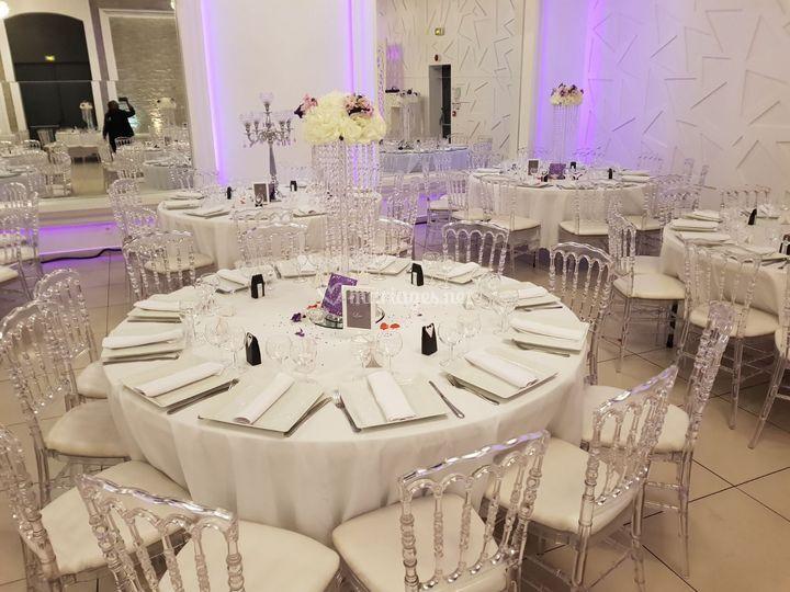 Blanc & mauve table