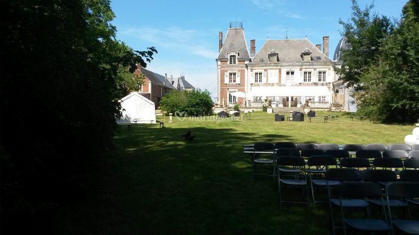 Le château depuis la pelouse