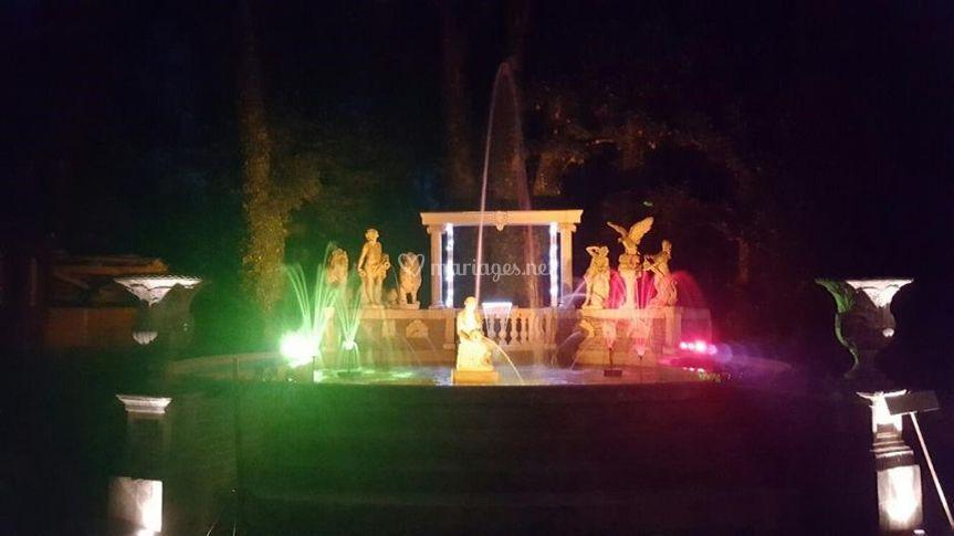 Fontaine jeux d'eau/lumière