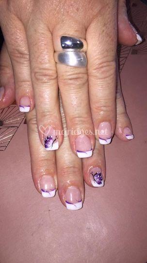 Gel sur ongles naturel 30€