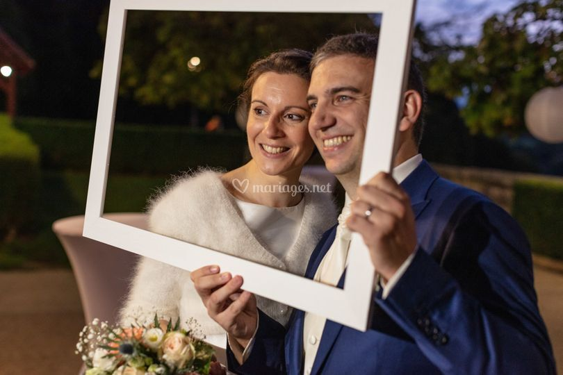 Nicole immortalise les mariés