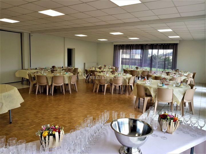 Salle décorée / mariage 60pers