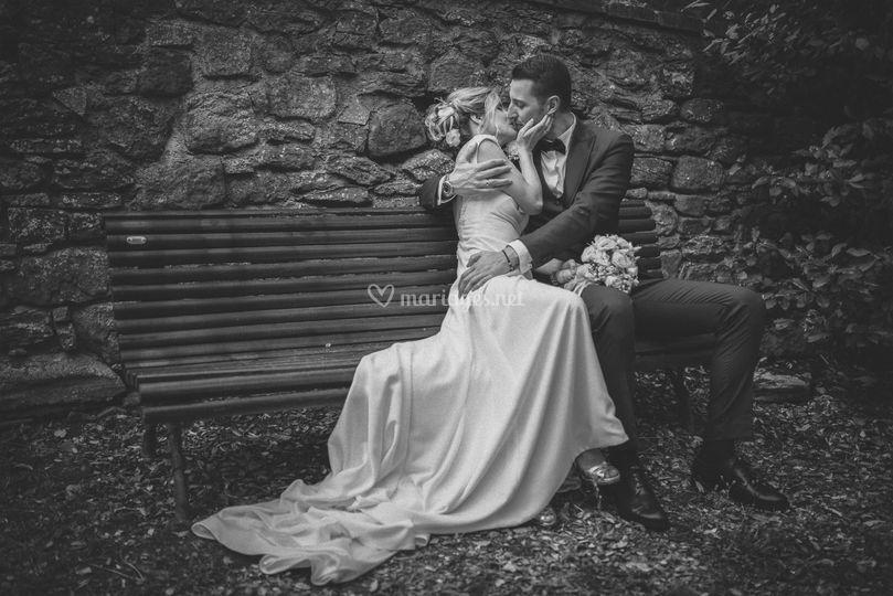 Les mariés sur le banc